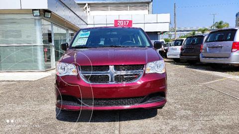 Dodge Grand Caravan SE usado (2017) color Vino Tinto precio $320,000