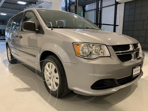 Dodge Grand Caravan SE usado (2017) color Plata Dorado precio $285,000