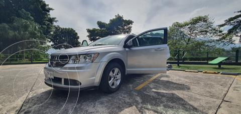 Dodge Journey SXT 2.4L 7 Pasajeros Lujo usado (2011) color Plata precio $150,000