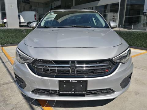 Dodge Neon SE usado (2018) color Plata Dorado precio $200,000
