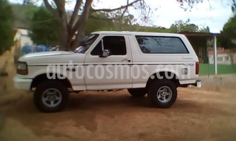 Ford Bronco Basica 4x4 V8 5.0i 16V usado (1993) color Blanco precio u$s2.700