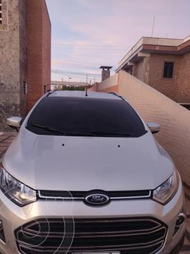 Ford Ecosport Titanium Aut 4x2 usado (2015) color Plata precio u$s15.000