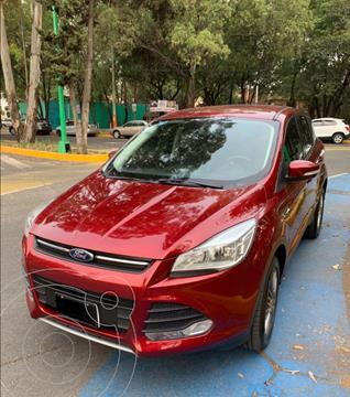 foto Ford Escape SE Plus usado (2015) color Rojo Rubí precio $198,000