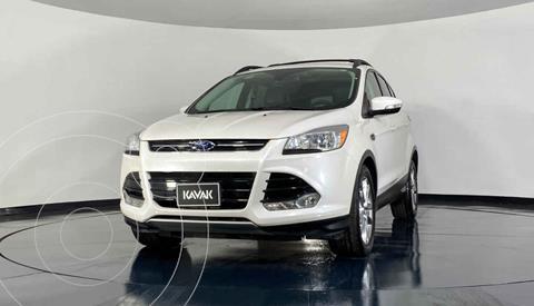 Ford Escape Titanium usado (2014) color Blanco precio $247,999