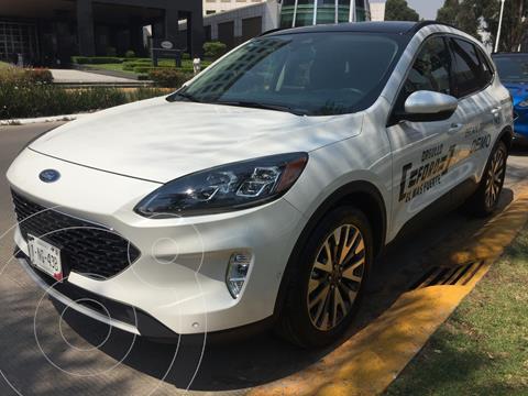 Ford Escape Titanium usado (2020) color Blanco financiado en mensualidades(enganche $155,000)