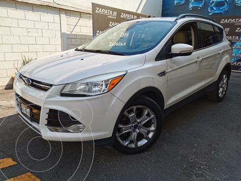 Ford Escape Titanium usado (2014) color Blanco Oxford precio $215,000