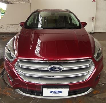 Ford Escape Titanium usado (2017) color Rojo precio $355,000