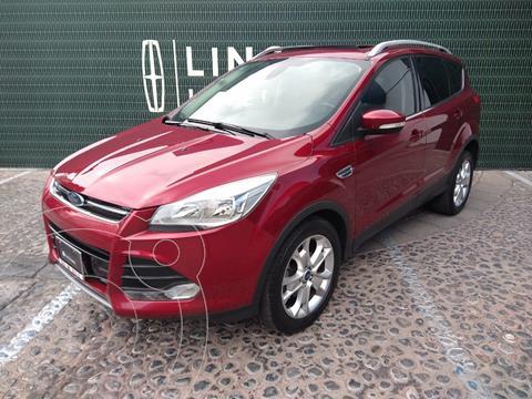 Ford Escape Titanium usado (2015) color Rojo Rubi precio $260,900