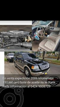 Ford Expedition XLT Auto. 4x4 usado (2006) color Negro precio BoF100.000