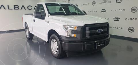 Ford F-150 XL 4x2 5.0L Cabina Regular usado (2017) color Blanco precio $379,900