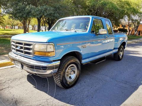 Ford F-150 XL 4x4 3.7L Cabina Regular usado (1992) color Azul precio $99,900