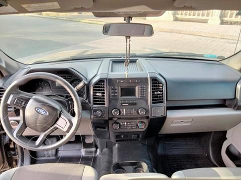 Ford F-150 Doble Cabina 4x2 V8 usado (2018) color Negro precio $550,000