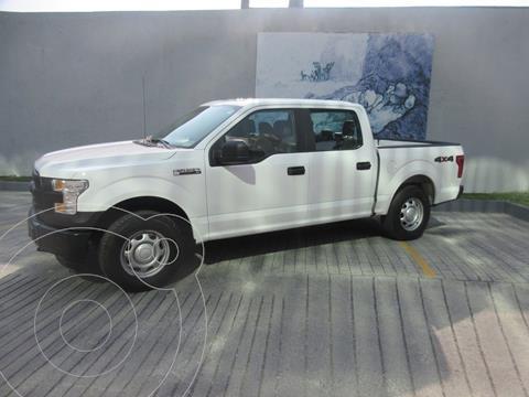 Ford F-150 XL 4x4 5.0L Crew Cabina usado (2017) color Blanco precio $465,000