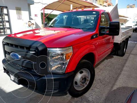 Ford F-350 XL 6.2L Plus Aut Ac usado (2016) color Rojo precio $398,000