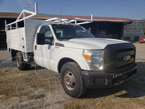Ford F-350 XL 5.0L usado (2011) color Blanco precio $279,000