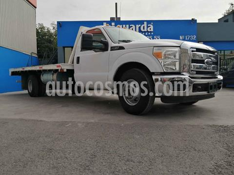 Ford F-350 XL 6.2L Plus Ac usado (2015) color Blanco precio $370,000