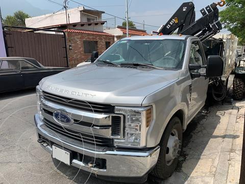 Ford F-350 XL 6.2L Plus usado (2018) color Plata precio $900,000