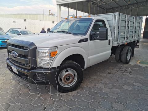 Ford F-350 XL 5.4L Super Duty usado (2015) color Blanco Oxford precio $385,000