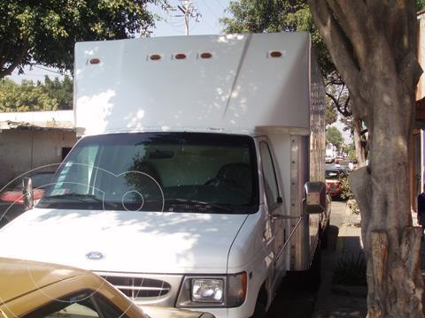 Ford F-450 XL usado (2000) color Blanco precio $150,000