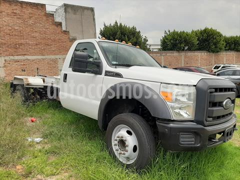Ford F-450 KTP 6.8L 3V GAS AT usado (2016) color Blanco precio $450,000