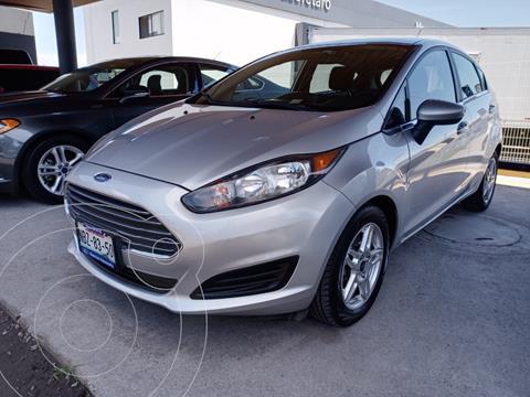Ford Fiesta Hatchback SE usado (2017) color Plata Estelar precio $201,000