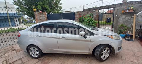 Ford Fiesta Kinetic Sedan SE Plus  usado (2014) color Plata Estelar precio $900.000