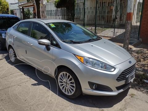 Ford Fiesta Kinetic Sedan Titanium usado (2015) color Plata precio $1.250.000