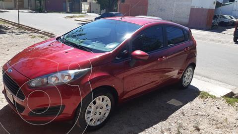 Ford Fiesta Kinetic Sedan S usado (2015) color Rojo Rubi precio $1.200.000