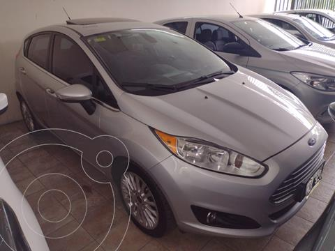 Ford Fiesta Kinetic Titanium Powershift usado (2014) color Gris Claro precio $1.180.000