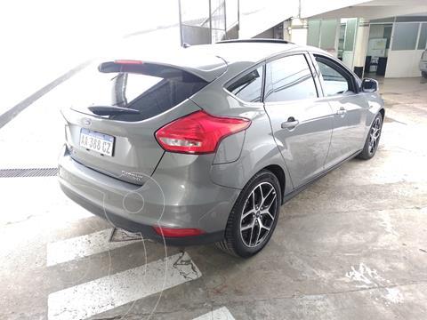 Ford Fiesta Kinetic SE Plus Powershift usado (2016) color Gris financiado en cuotas(anticipo $1.100.000 cuotas desde $61.000)