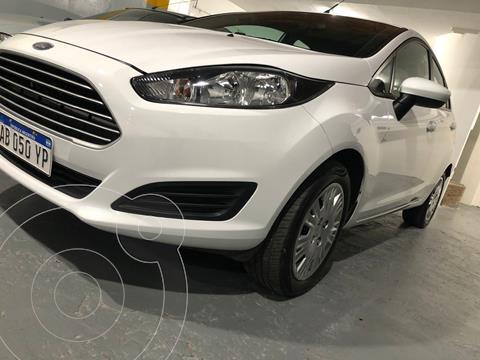 Ford Fiesta Kinetic S usado (2017) color Blanco precio $1.450.000