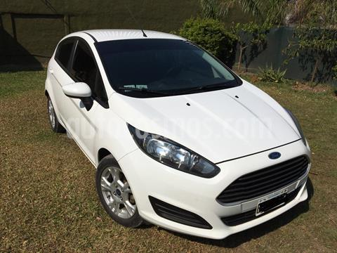 Ford Fiesta Kinetic S Plus usado (2015) color Blanco precio $880.000