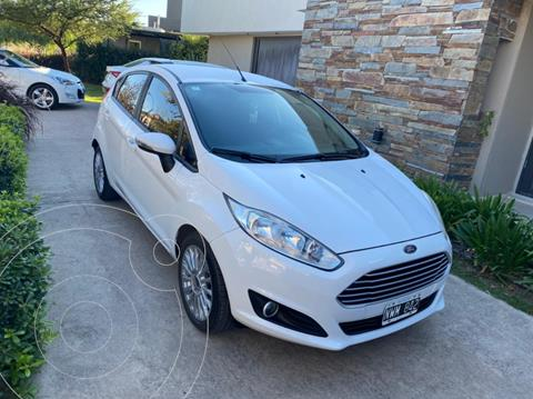 Ford Fiesta Kinetic SE Plus  usado (2014) color Blanco precio $1.200.000