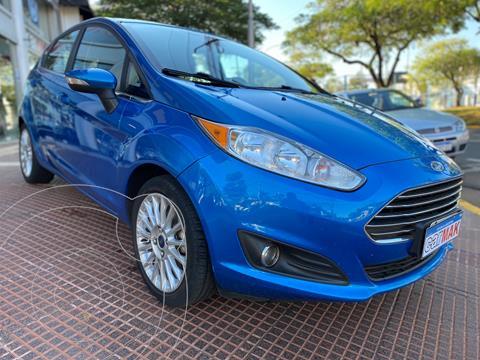 Ford Fiesta Kinetic Titanium usado (2015) color Azul financiado en cuotas(anticipo $850.000)
