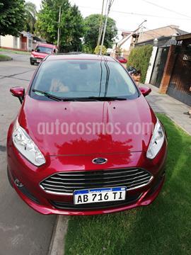 Ford Fiesta Kinetic Titanium usado (2017) color Rojo Rubi precio $1.250.000