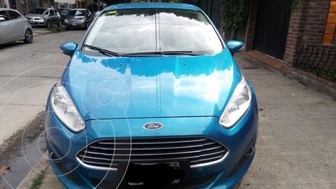 Ford Fiesta Kinetic Titanium Powershift usado (2014) color Azul Mediterraneo precio $1.075.000