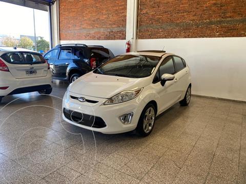 Ford Fiesta Kinetic S usado (2013) color Blanco Oxford financiado en cuotas(anticipo $575.000)