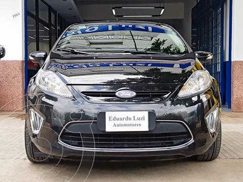Ford Fiesta Kinetic Titanium usado (2013) color Negro Perla precio $998.000