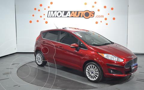 Ford Fiesta Kinetic Titanium Powershift usado (2017) color Rojo Rubi precio $1.650.000