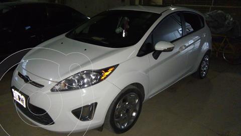 Ford Fiesta Kinetic Titanium usado (2013) color Blanco precio $1.150.000
