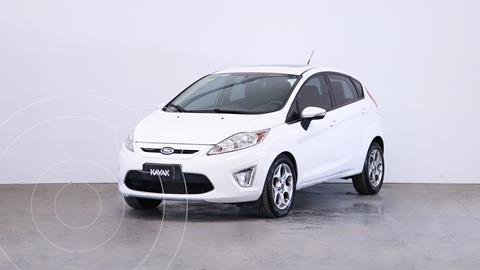 Ford Fiesta Kinetic Titanium usado (2011) color Blanco precio $1.060.000