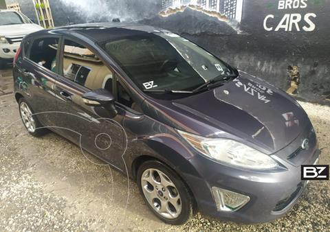 Ford Fiesta Kinetic Titanium usado (2013) color Gris Oscuro precio $995.000