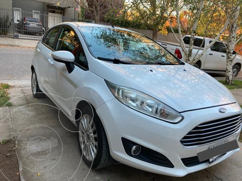 Ford Fiesta Kinetic SE  usado (2015) color Blanco Oxford precio $1.100.000