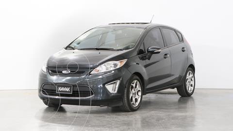 Ford Fiesta Kinetic Titanium usado (2011) color Gris precio $1.040.000