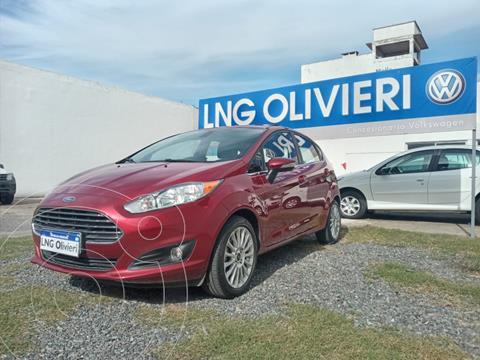 Ford Fiesta Kinetic Titanium Powershift usado (2017) color Rojo Rubi precio $1.720.000