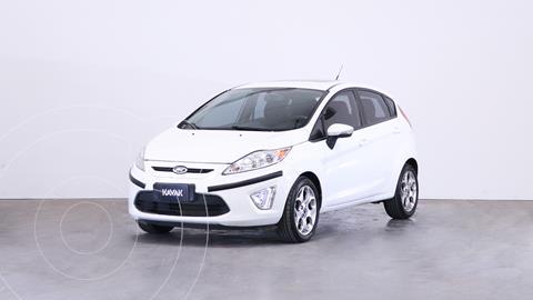 Ford Fiesta Kinetic Titanium usado (2013) color Blanco Oxford precio $1.320.000