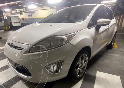 Ford Fiesta Kinetic Titanium usado (2013) color Blanco precio $1.290.000