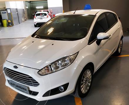 Ford Fiesta Kinetic SE  usado (2017) color Blanco precio $1.180.000