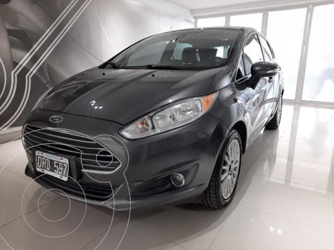 Ford Fiesta Kinetic Titanium Powershift usado (2015) color Gris Oscuro precio $1.290.000
