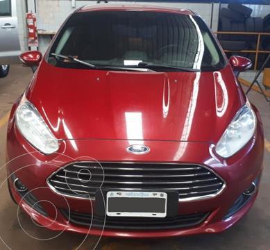 Ford Fiesta Kinetic Titanium usado (2015) color Rojo Rubi precio $1.310.000